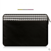 JDS S-1101133 handbag for 13.3inch Laptop Ipad black&white color