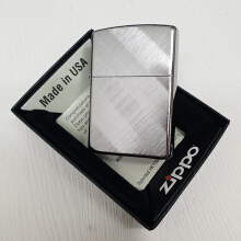 Zippo 28182 Diagonal Wave brushed chrome