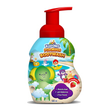 KODOMO Body Wash Botol Foaming Strawberry - 250ml
