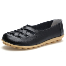 Jantens New Fashion Round Toe Women Flats Moccasins Comfortable Woman Shoes Hitam