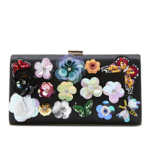 NEW COLLECTION Medium Beads Clutch - Flower