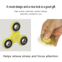 Multicolor Triangle Hand Spinner Toy Fingertip Toy Finger Spinner Rotation Toy-Green and Black
