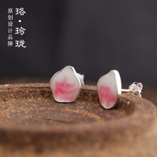 Luo Ling Long Silver cherry petal earrings