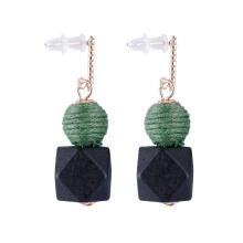 VOITTO Fashion Jewelry Vonly Two Shape V18 Earrings [Green]