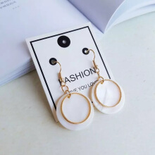 Its Chic Jewelry Anting Fashion Shells White