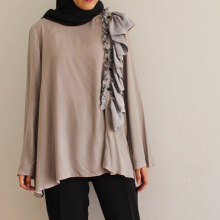 KIA by Zaskia Sungkar - Hera Top Grey L