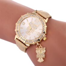 Fashionmall Women Quartz Wristwatch 8COLOR