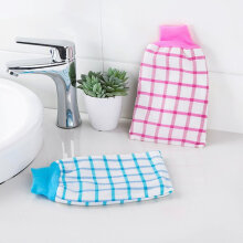 [OUTAD] Plaid backing gloves bathing towel bath thickening sling