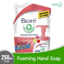 BIORE Hand Soap Fruity Antiseptic Pouch 250 ml
