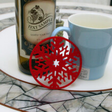 JDWonderfulHouse JDwonderfulhouse 2PC Christmas Coffee Table Water Snowflake Coaster Insulation Pad Coaster Doily Christmas Cup Coaste