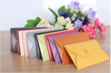 50pcs Kraft Paper Party/Wedding Gift Bags,Cake/Chocolates/Candy Packing Bags Stand Up Food Clear PVC window Seal boxes 8*16*5cm Random Color 10.5*7cm