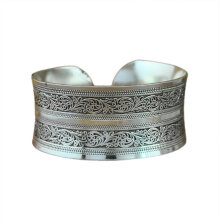 [OUTAD] Silver Bracelet Female Retro Wide Silver Hand Rings Carved Hand Ornaments Silver