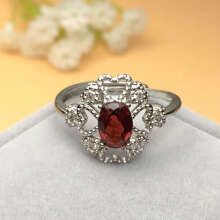 Natural garnet inlay ring/ adjustable in size(Ukuran disesuaikan)