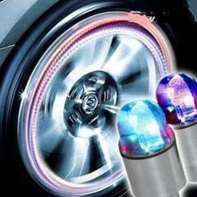 JMS - 1 Pcs Tire Valve Tires / Tutup Pentil with Lights Zinc Alloy Lamp - RGB