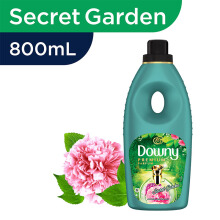 DOWNY Premium Secret Garden Botol 800 mL