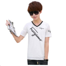MMIOT V-neck oblique English black and white short-sleeved T-shirt