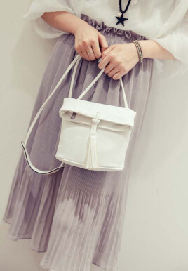The new tassel bucket bag Korean personalized fashion casual backpack shoulder diagonal handbags