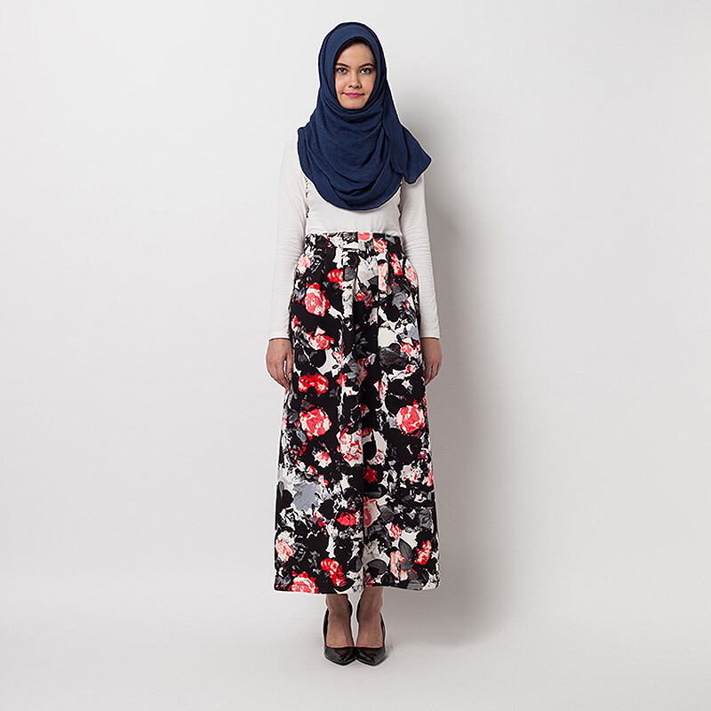 COVERING STORY Yonna Skirt - Red Black