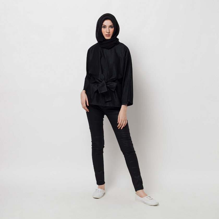 COVERING STORY Rumeira Top Denim Black [One Size]